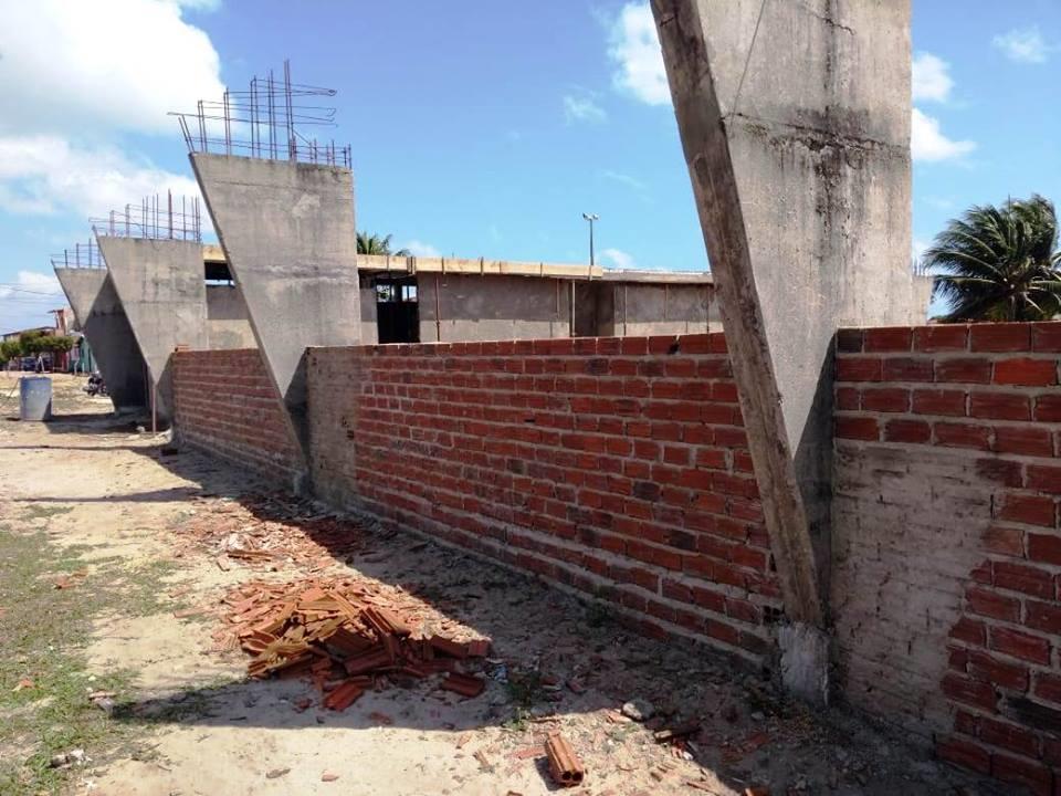 Construção da Quadra de Esportes da Escola Municipal João Batista de Mendonça - Prefeitura de Baia Formosa